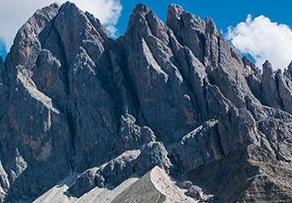 2 - В Австрийских Альпах при восхождении погибли пять альпинистов