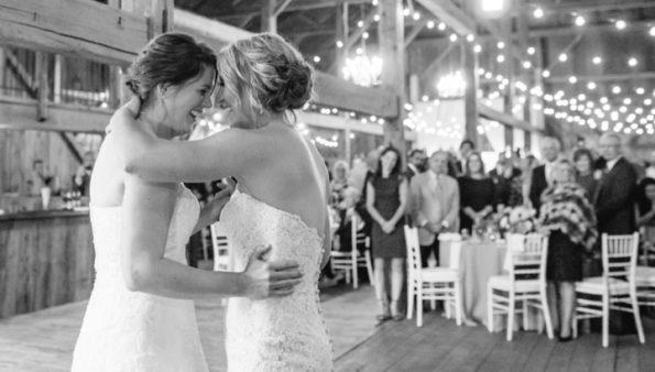 xw 1581999 595x338 - Чемпионки Олимпиады по хоккею поженились друг на друге