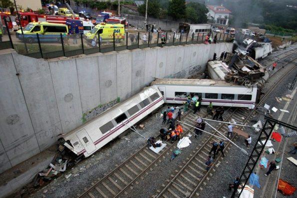ispaniya 595x397 - Катастрофа поезда в Испании